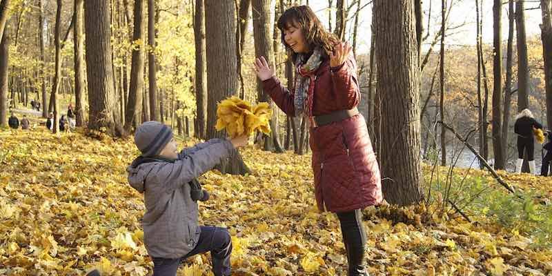 День воспитателя как поздравить что подарить чем удивить